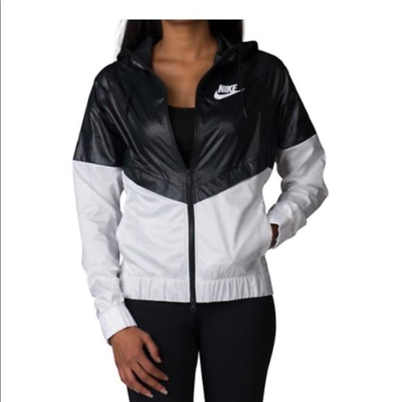 743ff1ac4991 Women s Nike Windrunner